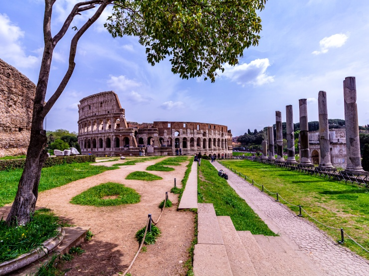 Palatine Hill offer great views of Colosseum